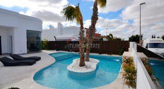 Murcia, Sucina, 3 Bedrooms Chalet with Laguna Pool